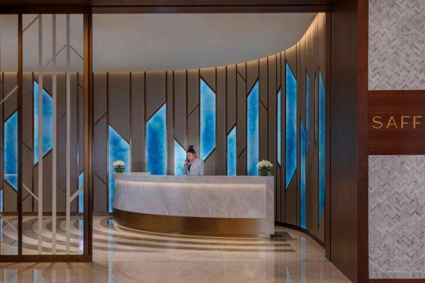 lighting-designer-saffron-restaurant-atlantis-the-palm-stylish-entrance-reception-desk-dubai-studio-n